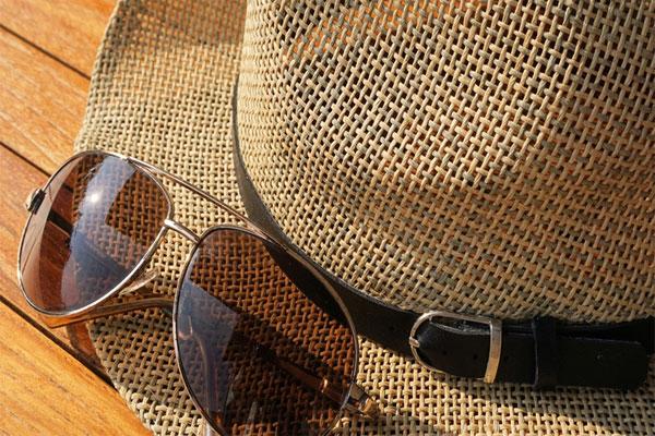 Τι-πρέπει-να-προσέξετε-όταν-αγοράζετε-γυαλιά-ηλίου-youoptics.gr